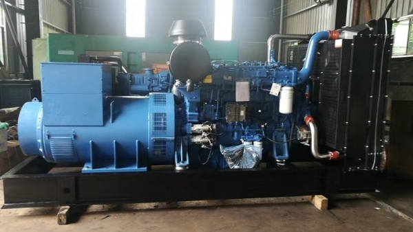 320~600KW发电机组
